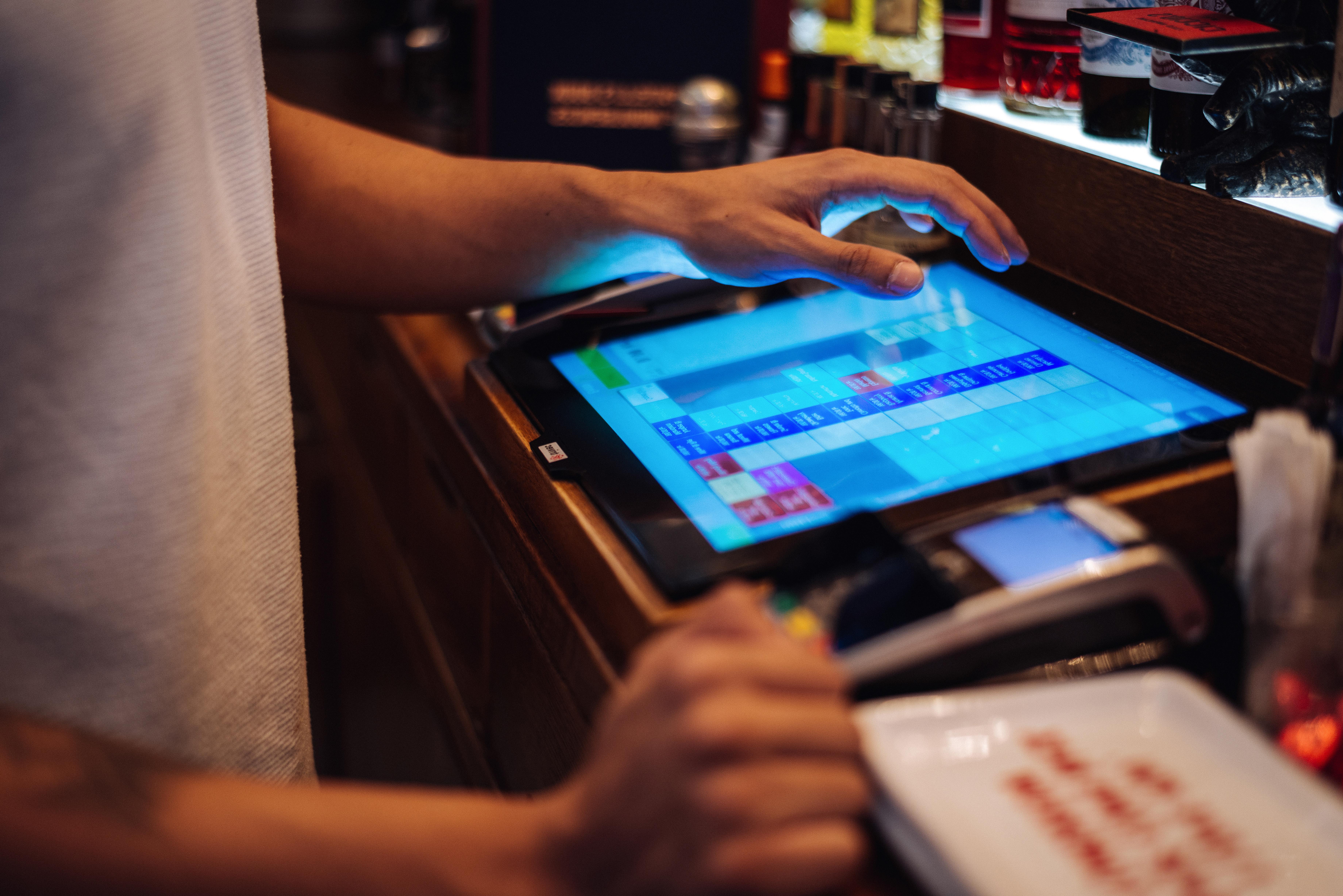 POS system for restaurants bars and cafés
